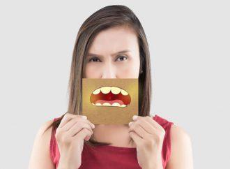 Strisce sbiancanti per i denti Whitify Strips funzionano, recensioni forum, amazon ordina, prezzo in farmacia, opinioni